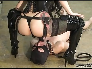 Japanese dominatrix makes..