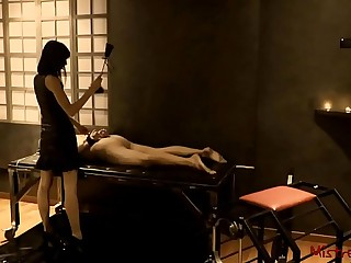 Femdom Whipping male Slave..